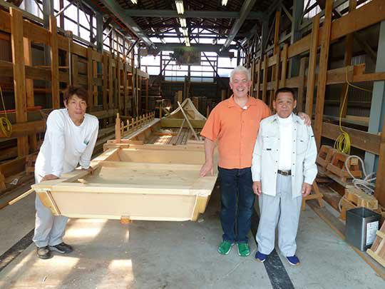 鵜飼観光船造船所。鵜飼の船を専門に作っている。